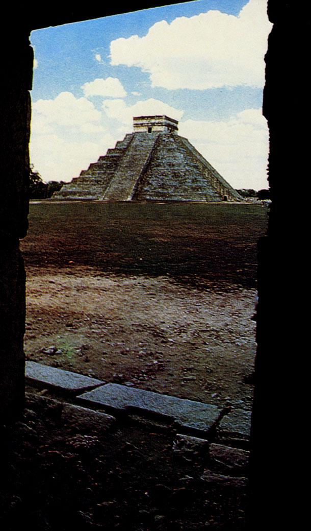 Майя-тольтекский стиль Чичен-Ицы