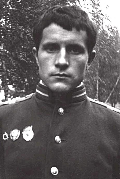 Гвардии старший сержант Мешков Николай Дмитриевич, в дни службы