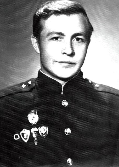 Мой товарищ по службе Шанкеев Виктор. 7-я гв. ВДД, 119-й гв. ВДП, в\ч 10075