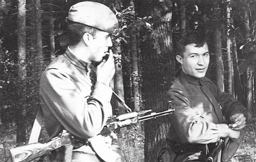 Подгрушный Ю.А. с сослуживцем Сухорубченко Николаем Петровичем