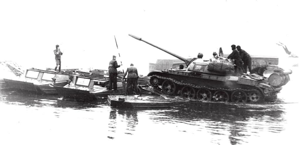 Форсирование водных преград на реке Эльба, май 1968 год
