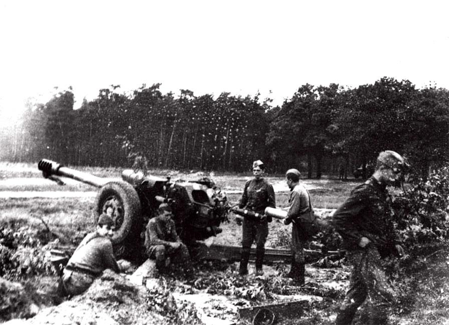 Первые минуты по прибытию в заданный район и занятие огневой позиции. В предместье Ческе-Будеевице. 21 августа 1968 г.
